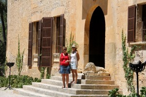 Entrance to the house at  Els Calderers